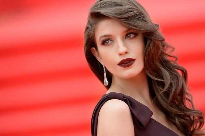 Кого из актрис российского кино считают признанными красотками